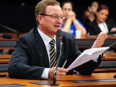 Valdir Colatto defende a derrubada de veto aos psicólogos