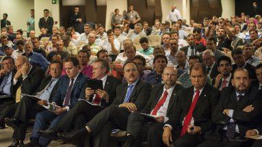 Reunião entre caminhoneiros e o governo federal, no auditório da ANTT (30/03/2015)
