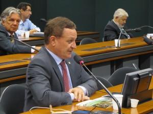 Colatto quer seguro de renda para produtores e planejamento territorial rural