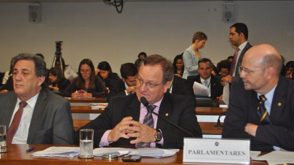 Comissão Especial aprova texto da MP 673