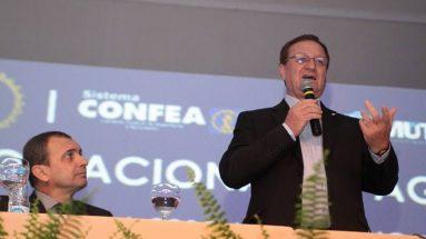 Colatto palestra no XXIX CBA (Congresso Brasileiro De Agronomia)