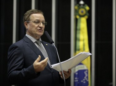 Colatto cobra providências sobre titulação de terras da reforma agrária