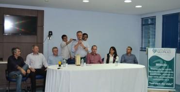 Deputado Colatto entrega emenda no valor de R$ 500 mil e anuncia emenda de R$ 1 milhão para o próximo ano ao HRSP