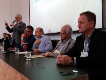 Colatto avalia encontro do PMDB do Sul e fala sobre convenção deste sábado 12 em Brasília