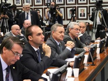 Em CPI da Funai e do Incra, secretário da Contag não se desculpa por ameaças a parlamentares
