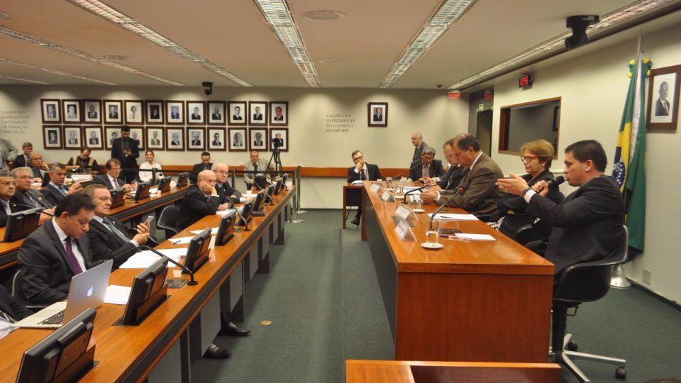 Advogado indígena defende a PEC 215/00, o arrendamento de terras indígenas e a mineração