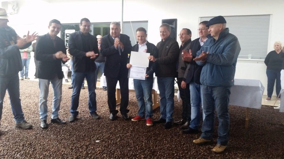 Colatto trabalhou por certificado do SISBI-POA a dois frigoríficos de SC