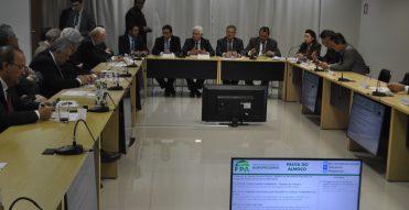 Ministro defende licença ambiental prévia para lançar editais de obras
