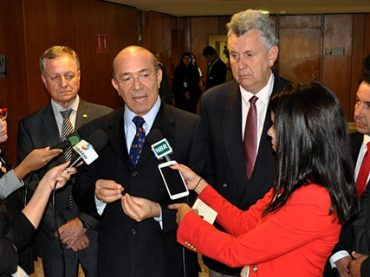 Ministro Chefe da Casa Civil recebe demandas de Colatto