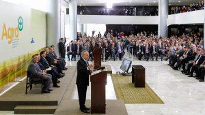 Brasília - DF, 24/08/2016. Presidente em Exercício Michel Temer durante cerimônia de lançamento do Plano Agro+: medidas de desburocratização para implementar o agronegócio brasileiro. Foto: Beto Barata/PR