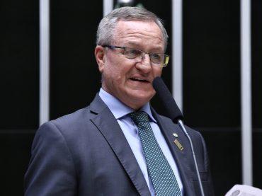 Sancionada lei que garante recursos para o FIES e o ENEM