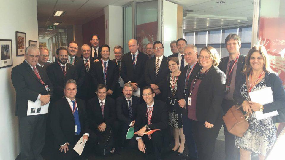 Deputados buscam experiência australiana para regulação de defensivos agrícolas