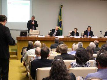 Relato de especialistas estrangeiros comprova atraso do Brasil na área de defensivos