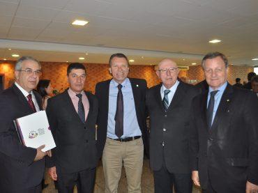 Colatto é vice-presidente da Frente Parlamentar da Vitivinicultura