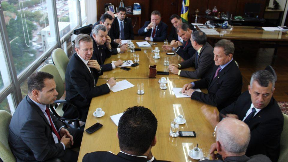 Crise do leite: deputado Colatto e membros da FPA cobram ações do ministro da Agricultura