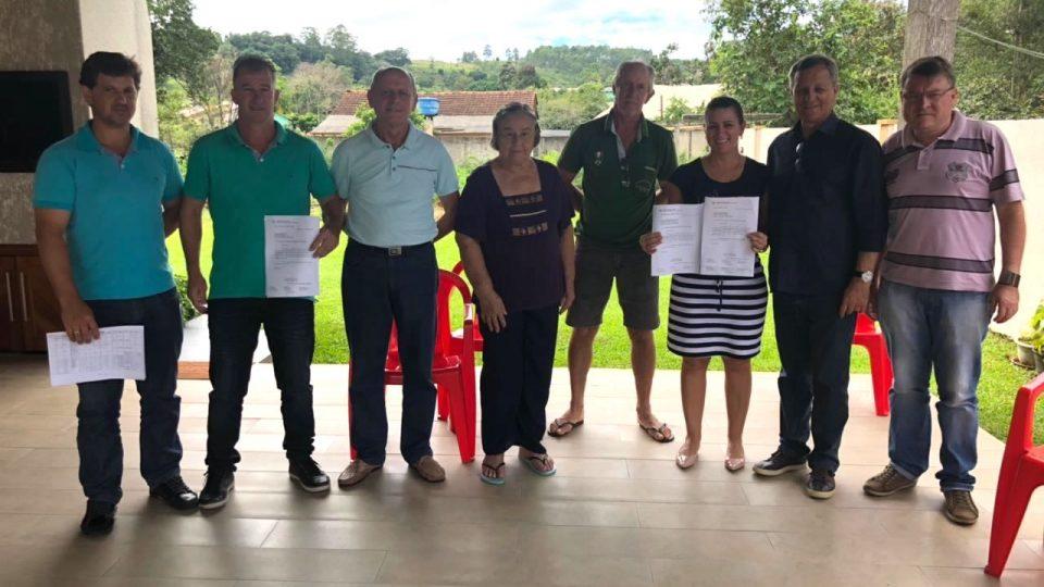 Deputado Colatto entrega R$100 mil para Águas de Chapecó