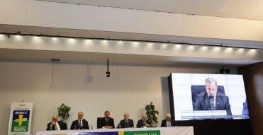 Em seminário na Câmara, debatedores cobram iniciativas para reduzir burocracia