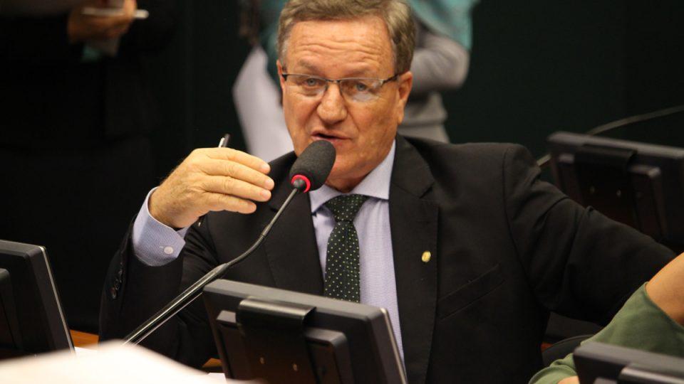 Comissão aprova continuidade de descontos para cooperativas de eletrificação
