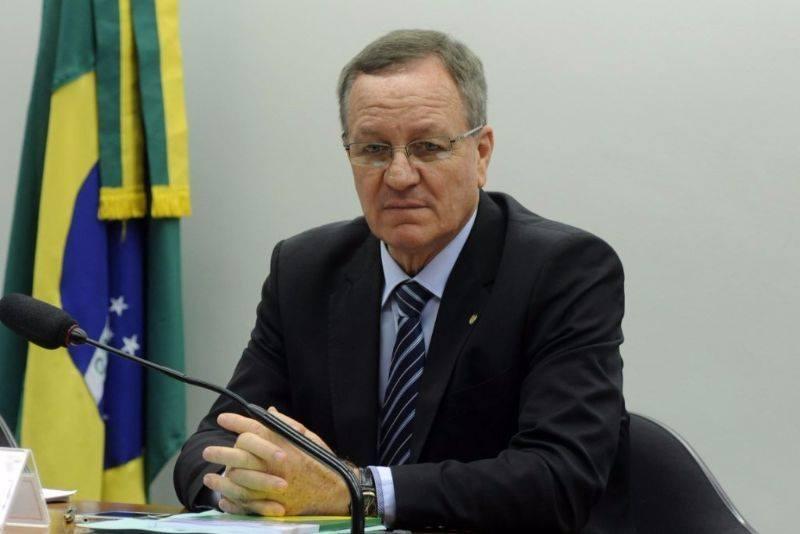 Deputado Colatto propõe percentual mínimo de fruta para sucos
