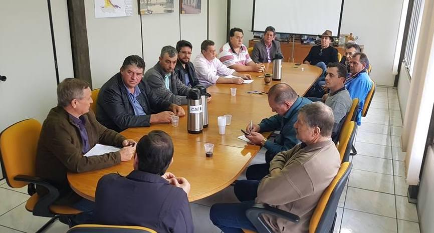 Deputado Valdir Colatto visita mais de 50 municípios durante o recesso